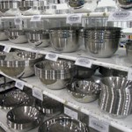 Four Essential Kitchen Items To Buy At A Restaurant Supply Store